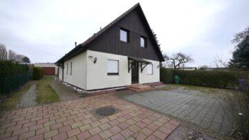 Großzügiges Haus auf 756 m² Grundstück mit massiver Garage, 13051 Berlin, Einfamilienhaus
